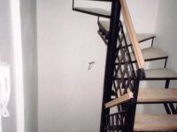 ocelové půltočité schodiště,ocel zábradlí