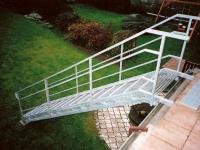 ocelové pozinkované schodiště, nášlapy pozin rošt