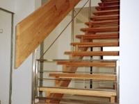 dřevěné schody, nerez zábradlí
